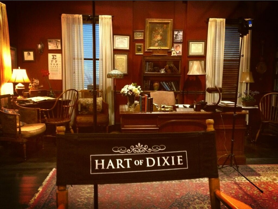 des interviews et des photos tout sur la s rie hart of dixie de la cw. Black Bedroom Furniture Sets. Home Design Ideas